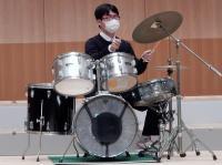 曲に合わせた表現を追求する ドラム奏者 Uさん